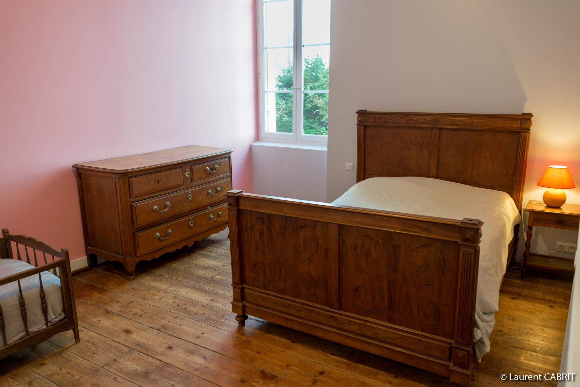 Chambre Rose 17 m² - Lit Double 140x190 - [Location Langoiran Bordaux Ligassonne]