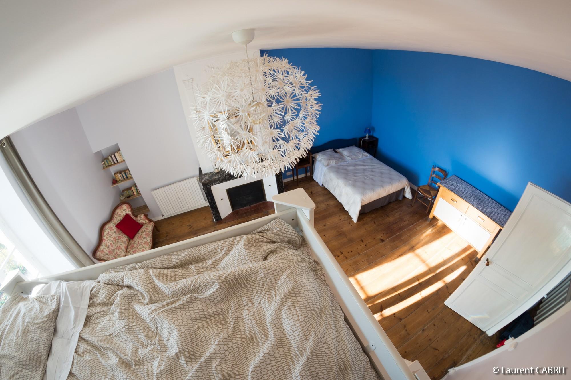Chambre Bleue, Lit double Mezzanine - Ligassonne